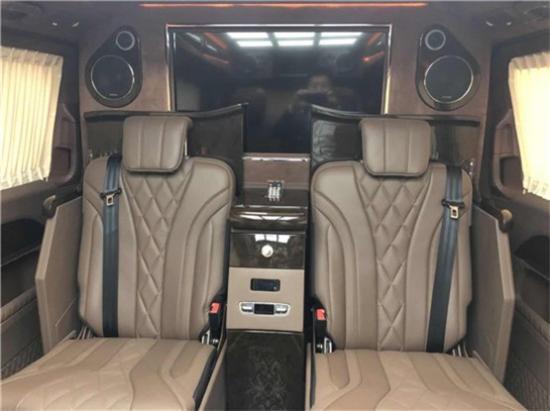 奔驰V260L改装高顶四座 让您的商务更有科